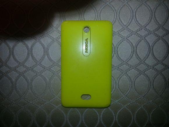Задняя крышка Nokia Asha 501 б/у. Фото 1.