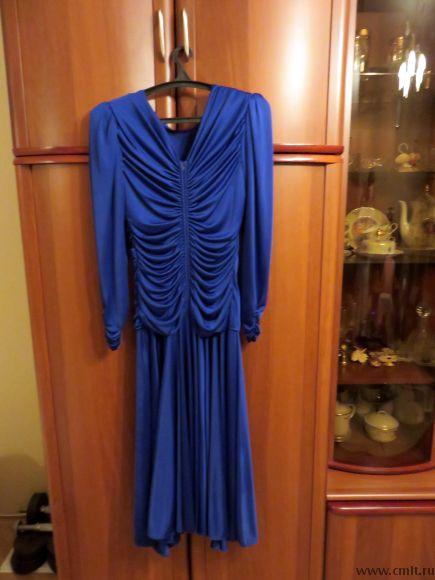 Вечернее женское платье. Фото 1.