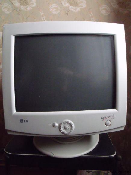 Монитор LG StudioWorks 575N