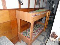 Двухъярусная ( двухярусная ) новая кровать. размер 175*70 см, высота 150см (удобно взрослому заправлять), прочные цельные донышки. Могу доставить.