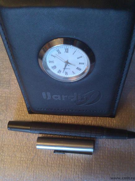 Часы + перьевая авторучка (подарочный набор).