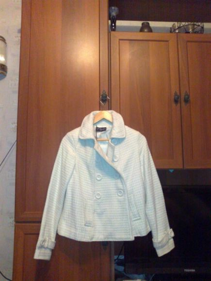 Пальто Zara белое короткое весеннее, р. S
