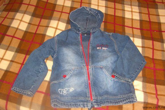 Ветровка джинсовая с капюшоном р-р 128