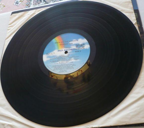 Грампластинка (винил). Donnie Iris. Back On The Streets. (c)(p) 1980 MCA Records, Inc. MCA-5179. США. Фото 8.
