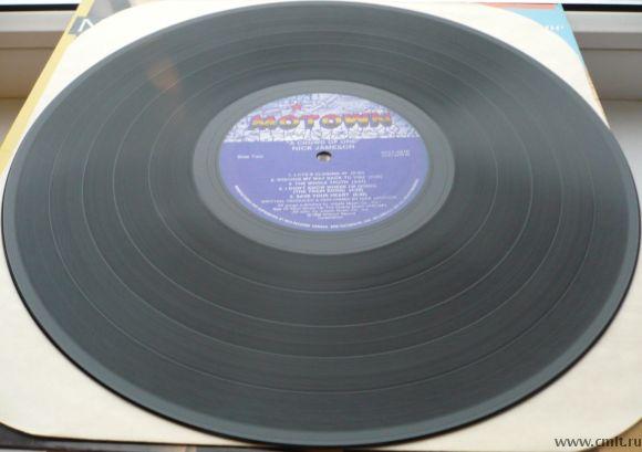 Грампластинка (винил). Nick Jameson. A Crowd Of One. 1986 Motown Record Corporation MOT-6210. Канада. Фото 6.