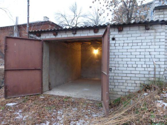 Б. Манежная ул., №10: капитальный гараж, 23 кв.м, погреб