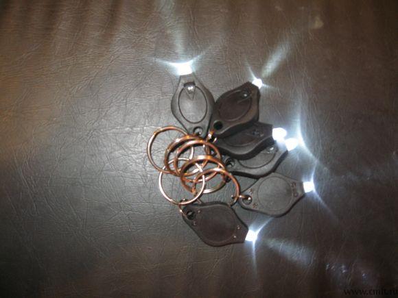 Фонари для ключей, светодиод, 2 батарейки (таблетки), новые
